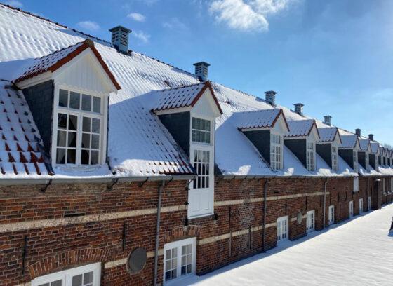Daken in de Sneeuw, Grave